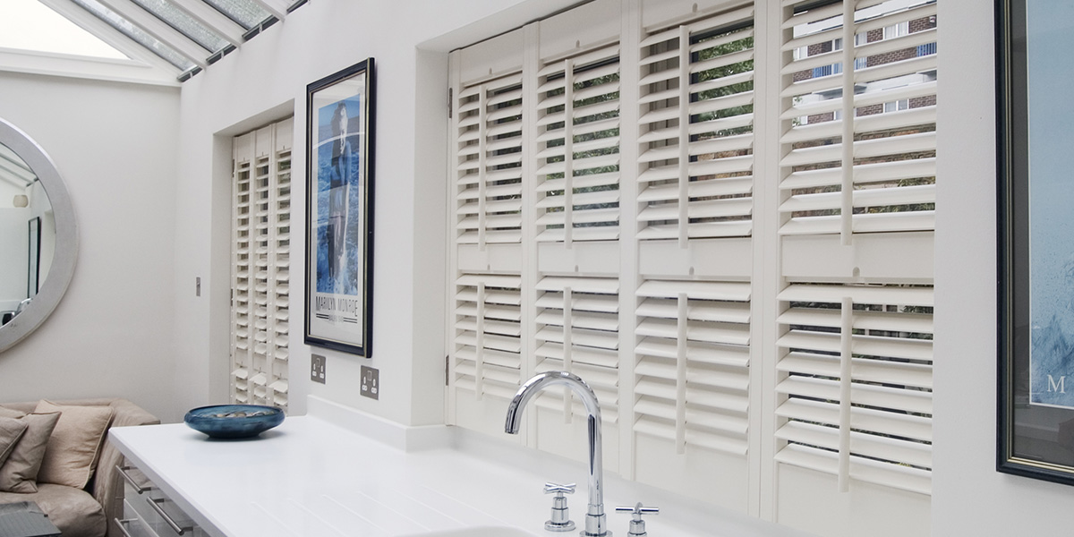 window-shutters-bathroom2