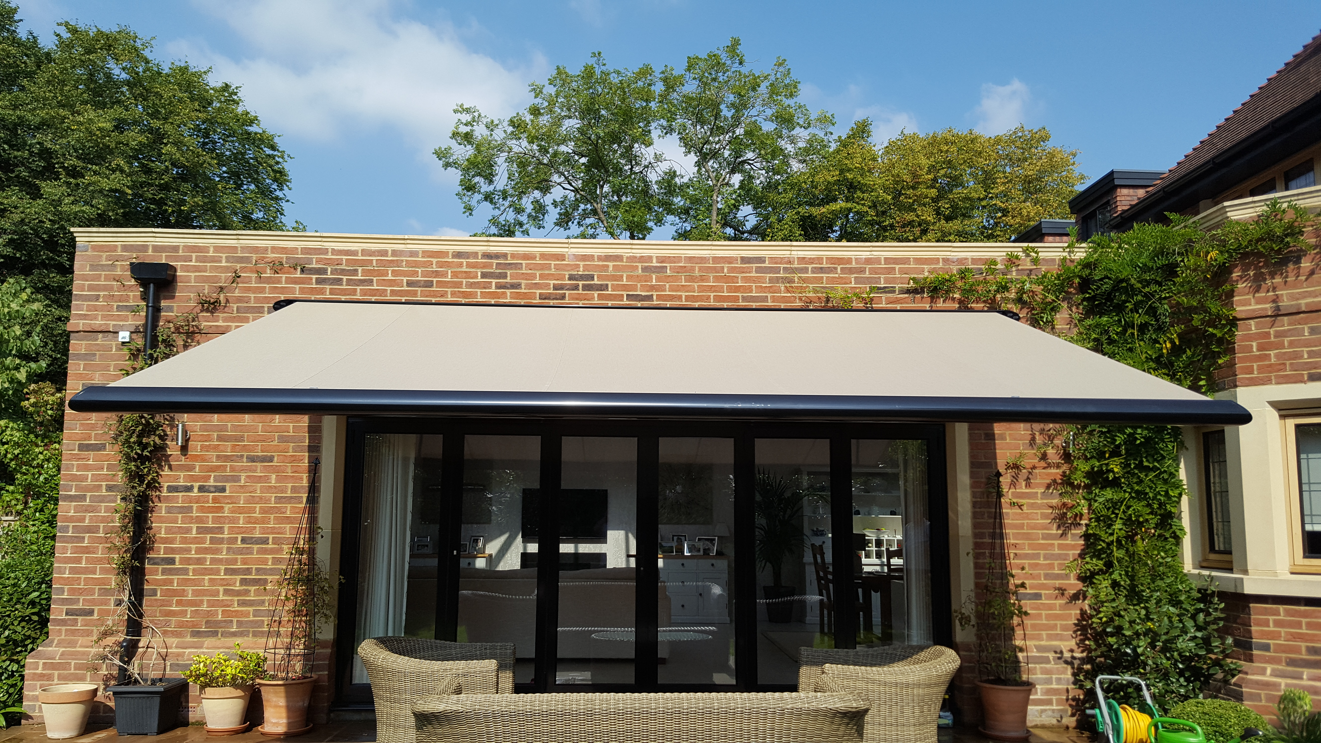 Astonishing Awnings Retractable Haus Appeal Home Shading Download Free Architecture Designs Scobabritishbridgeorg