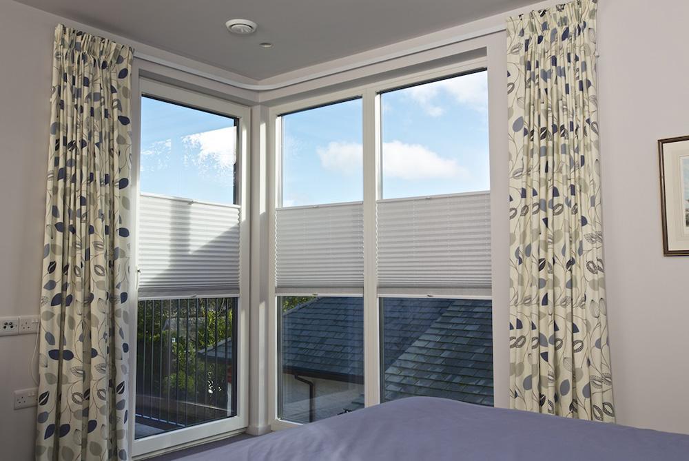 cafe blinds for bedrooms